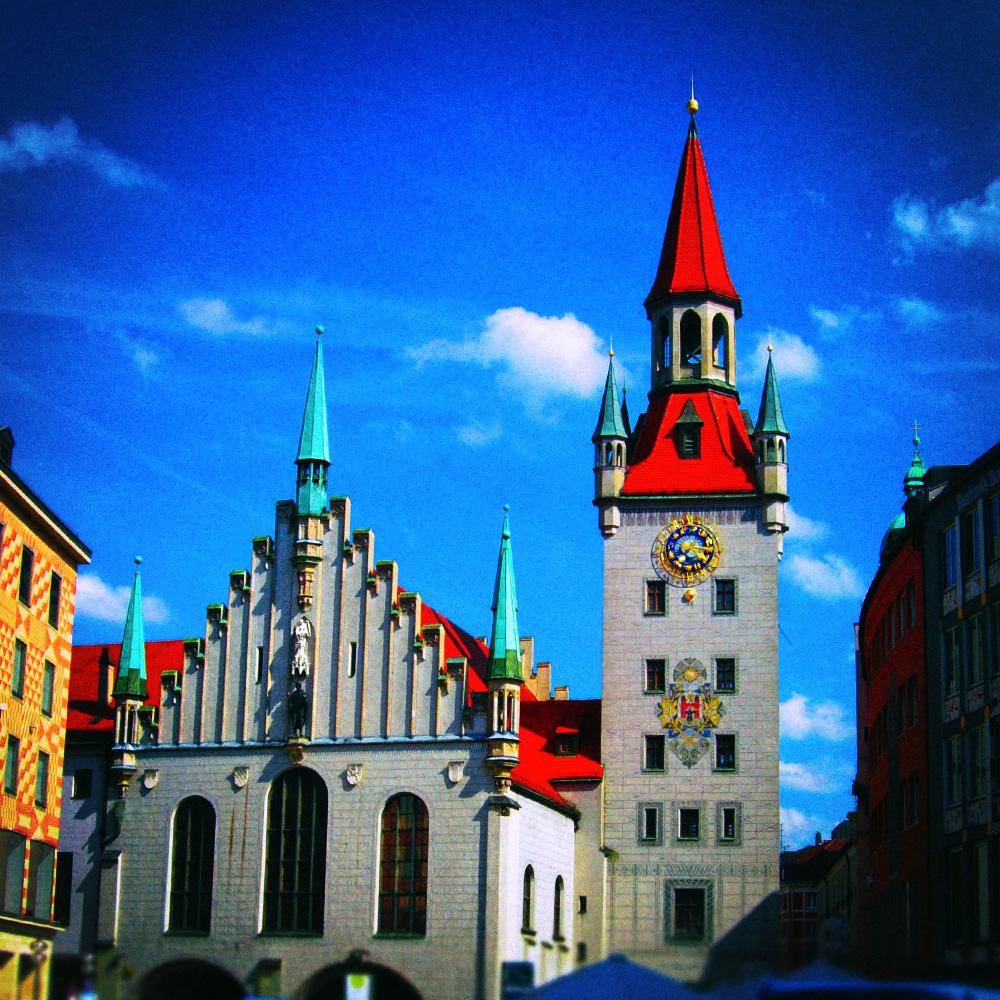 Старая ратуша на площади Мариенплац