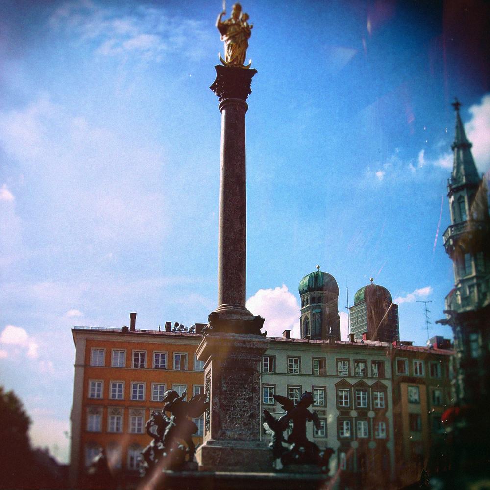 Колонна Марии на площади Мариенплац